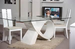 table de salle 224 manger design blanche en verre amelie