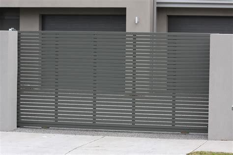 modern driveway gates luxury driveway gates modern - Modern Driveway Gates