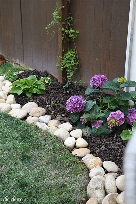Rock Garden Borders 25 Best Ideas About Rock Border On Rock Garden Borders Garden And Landscaping