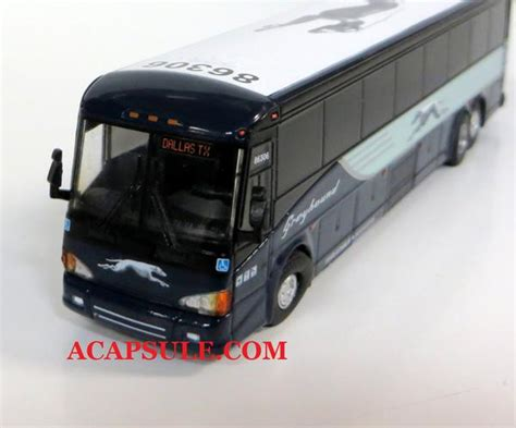 greyhound   dallas  scale mci  motorcoach diecast mo acapsule toys  gifts