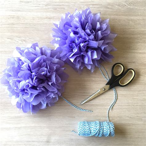 How To Make Small Tissue Paper Flowers - how to make diy mini tissue paper flowers for