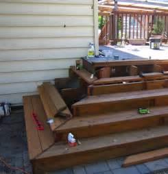 treppe bauen holz gartentreppe aus holz selber bauen anleitung und beispiele