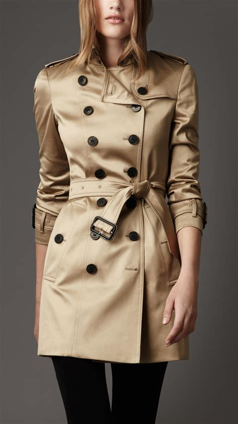 Style Ideas How To Work The Metallic Trench This Second City Style Fashion by Lyst Burberry Cotton Sateen Trench Coat In Metallic