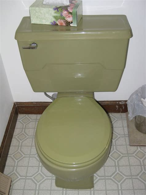 avacado bathroom rancid 70s avocado green bathroom pinterest