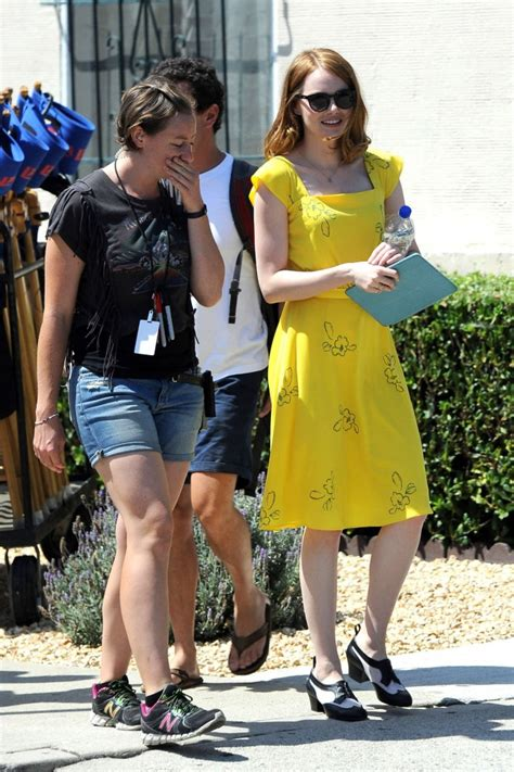 emma stone la la land yellow dress emma stone in yellow dress on la la land set 01 gotceleb
