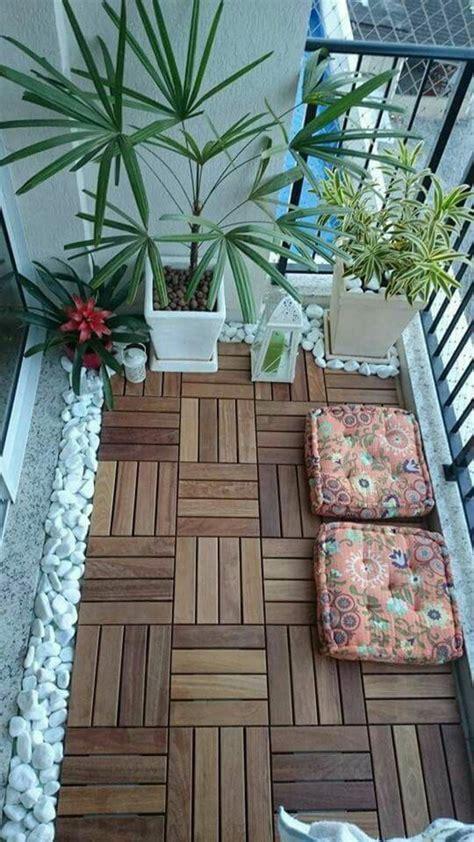 ideen kleiner balkon balkongestaltung ein kleiner ort voller entspannung und