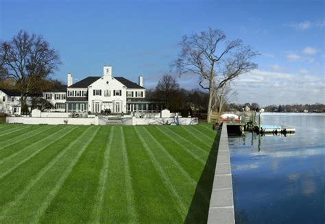 donald j trump house donald trump s former mansion hits market for 54 million