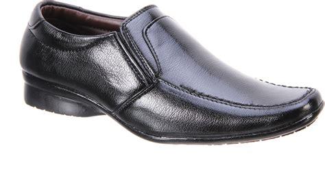 titas mens black formal shoe buy black4 color titas mens