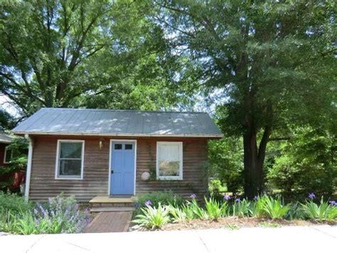 tiny house north carolina tiny house in carrboro north carolina tiny homes cottages pinte