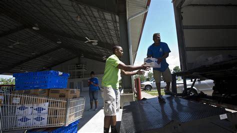 Newport Food Pantry by Www Hrfoodbank Org 187 Foodbank Feeds 400 In Newport News