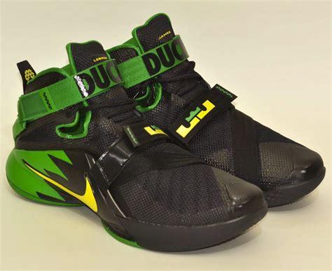 oregon duck shoes nike has oregon ducks lebrons you can actually buy sole