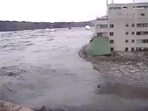 best tsunami footage tsunami in japan footage scary footage 2011