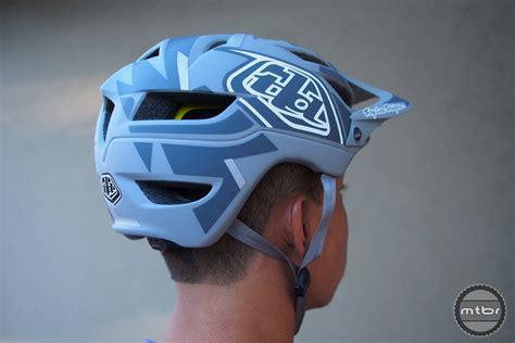 troy lee design helm a1 troy lee designs a1 mips helmet first look mtbr com