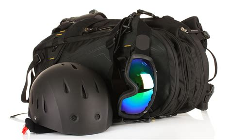 how to choose the best snowboard bag to protect your gear