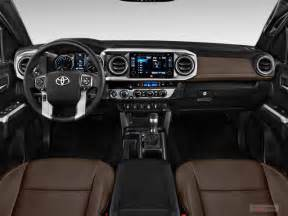 Toyota Tacoma Interior 2017 Toyota Tacoma Interior U S News World Report