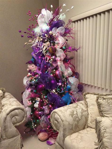 juegos de pinos de navidad para decorarlo arbolitos de navidad infantiles decoracion de interiores fachadas para casas como organizar la