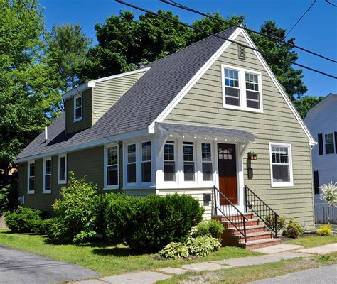 Cottage Renovation Tv Show by Here S What Hgtv Doesn T Tell You About Home Renovations