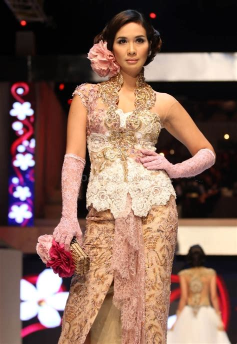 mdl kebaya brokat anne avantie 2016 model kebaya modis anne avantie info fashion terbaru 2018