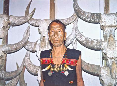 il cacciatore di teste nagaland la terra dei cacciatori di teste india