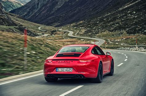 porsche 911 back 2015 porsche 911 reviews and rating motor trend