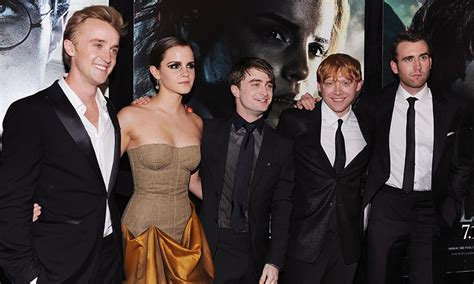 actor harry potter emma watson reveals that the harry potter gang are still
