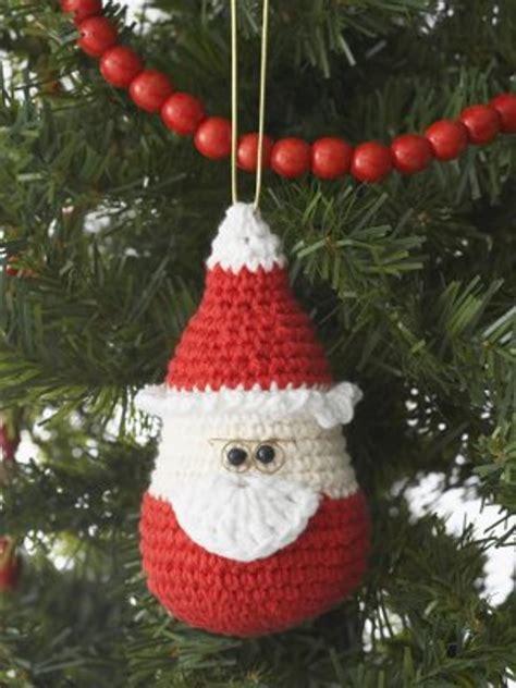 easy crochet christmas crafts santa ornament favecrafts