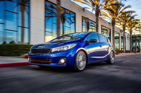 Kia Forte5 Review 2017 Kia Forte5 Reviews And Rating Motor Trend