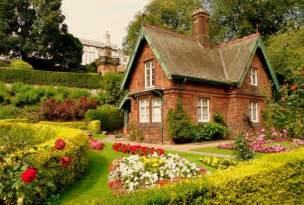 cottages gardens happy living in a charming cottage easy project