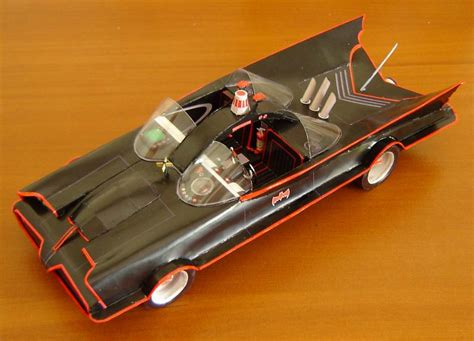 Batman Tumbler Papercraft - batman