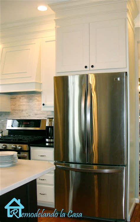 how to build a refrigerator cabinet building the refrigerator enclosure remodelando la casa