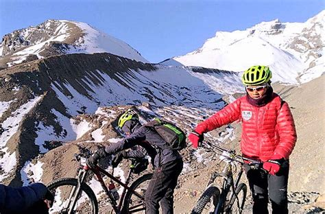 Shoo Himalaya Di Malaysia bernamaians nazahiyah antara 10 pengayuh basikal negara tawan thorong la pass di nepal