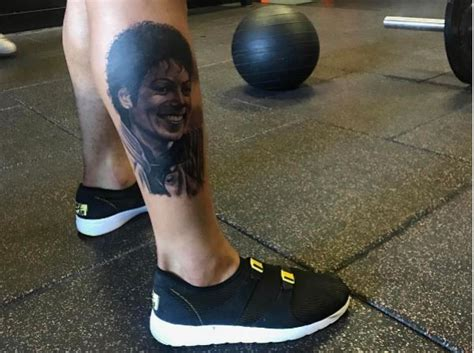 beckham tattoo leg odell beckham jr gets michael jackson tattoo inked