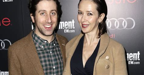 Tv Dumps Husband For Co by Big Theory Simon Helberg Reveals He Dumped His