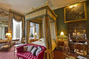 castle bedroom file castle howard bedroom jpg