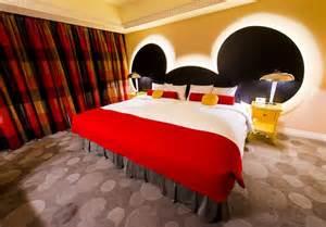 inside mickey s penthouse suite disney tourist