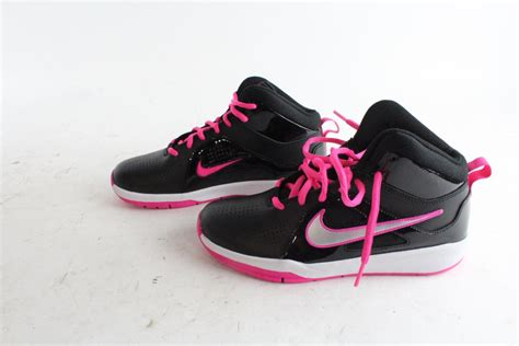 Size 5y 1 nike shoes size 5 5y property room