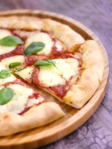 photo de recette p 226 te 224 pizza 233 paisse et moelleuse marmiton