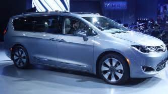Chrysler Town And Country Review 2017 Chrysler Town And Country Interior United Cars
