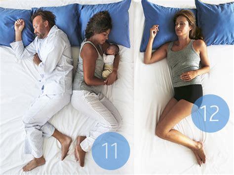 dormire con il cuscino tra le gambe posizioni sonno quali sono e cosa significano