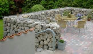 Landscape Rock Hesperia Ca Gabion Fences And Walls Rock Fence Design Usa