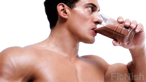 protein shake before bed what should you be eating before and after your workouts