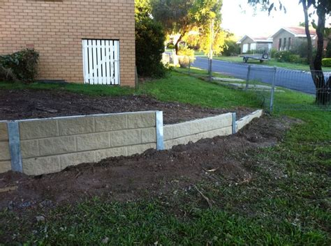 Concrete Sleeper Retaining Wall Installation by 122 Best Images About Retaining Walls On The