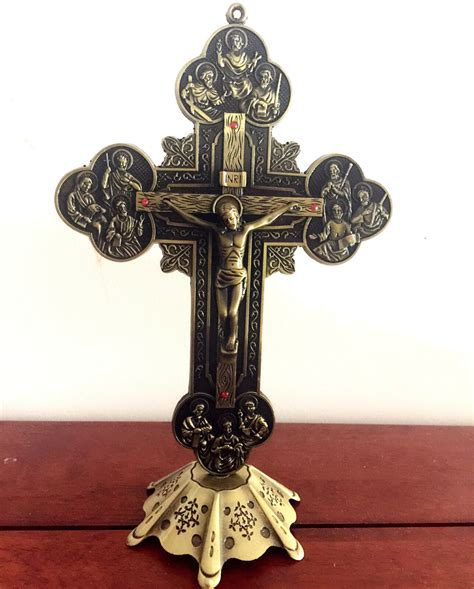 large standing crucifix large 8 quot jesus and 12 disciples vintage bronze standing
