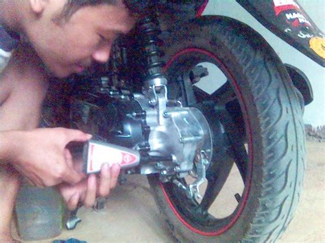 Baut Gardan Honda diy ganti oli transmisi oli gearbox matic honda beat pertamax7
