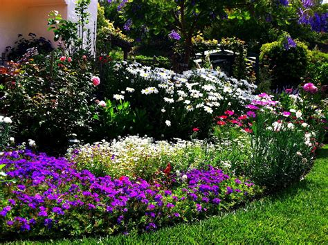 Flower Bed Ideas The Ultimate Touch Of The Nature In Your How To Design A Flower Garden