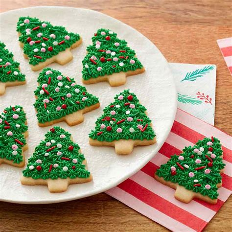 soft frosted christmas sugar cookies wilton