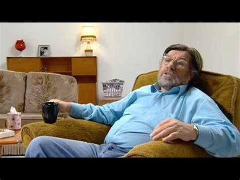 the royle family the new sofa the royle family behind the sofa footie fans youtube