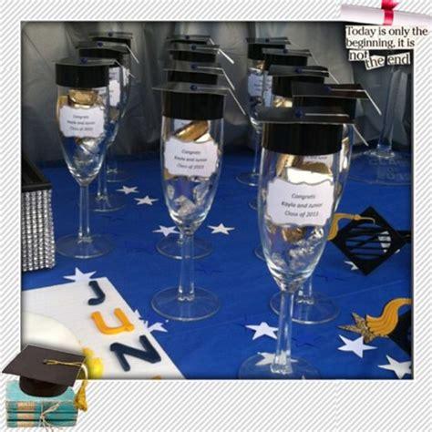 souvenirs de copa de egresado copas con dulces como recordatorio de fiesta de grado