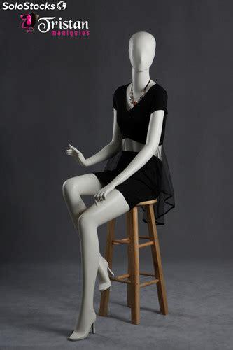 manichino seduto manichino femminile seduto bianco perla
