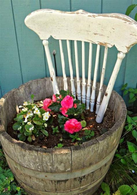 Incroyable idee recup jardin #1: recup-deco-jardin-idee-chaise-bois.jpg